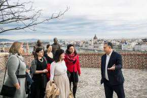 Orbán Moved Into the Royal Castle and History Textbooks
