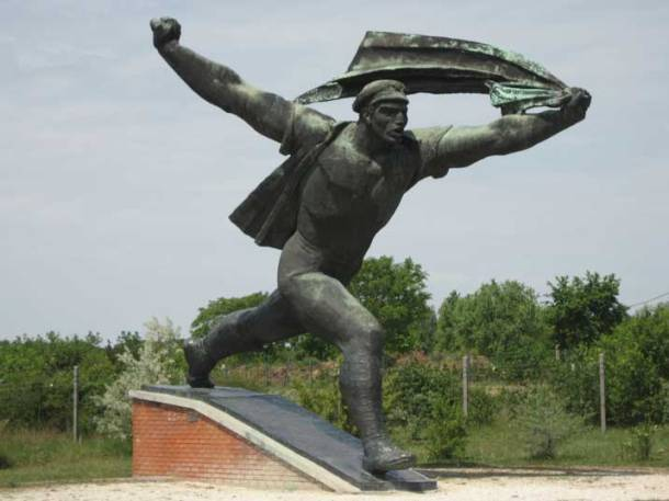 szoborpark-councils-monument-01