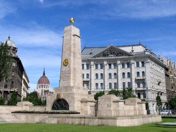 Szovjet-emlékmű-budapest-foto.hu_