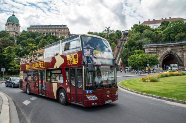 big-bus-budapest-hop-on-hop-off-tour-in-budapest-405061
